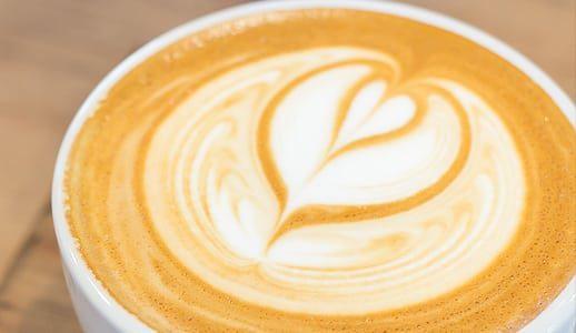 Latte Macchiato, pentru o zi de Marti cu 3 ceasuri bune