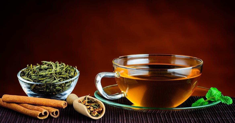 Cum prepari un ceai verde pe care chiar sa-l bei cu placere